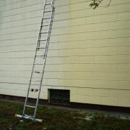 Mycie ciśnieniowe elewacji  na domku jednorodzinnym