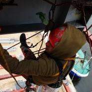 malowanie spodu stropu dachu alpinistycznie
