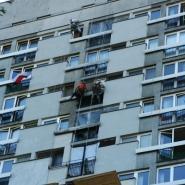 malowanie-elewacji-alpiniści